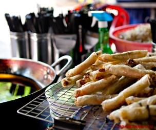 Gefrituurde rijstpapiervellen (foto: Kim Le Cao © Pho Vietnam)