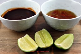 Sauzen en limoen voor Pho (foto: Pho Vietnam © Kim Le Cao)