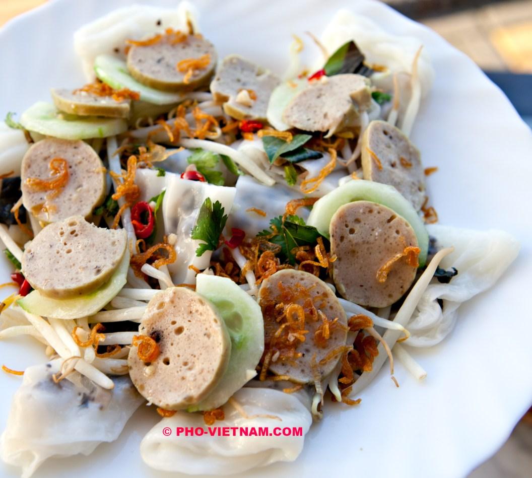 Banh cuon cha Hue (foto: Pho Vietnam © Kim Le Cao)