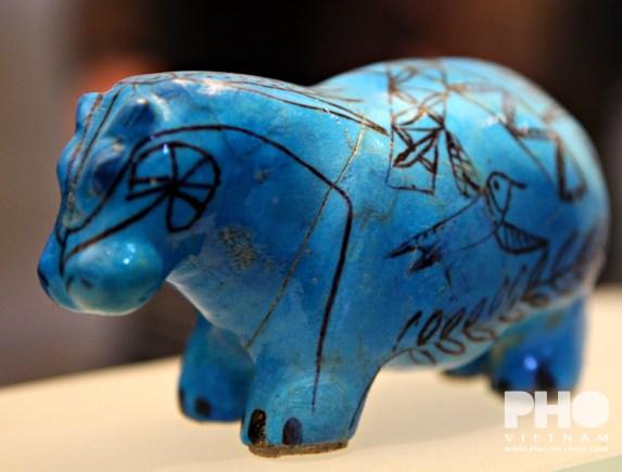 Egyptische nijlpaard in het Louvre (foto: Kim Le Cao © Pho Vietnam)