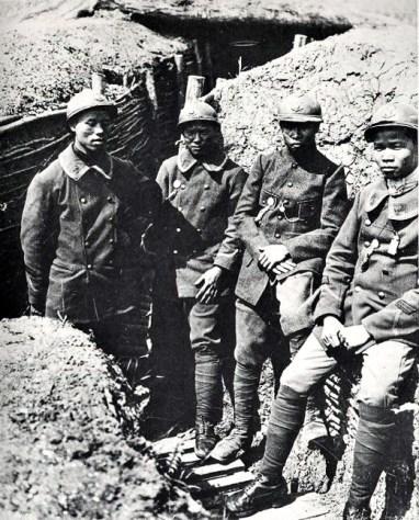 Vietnamese soldaten in WO I 1918 (http://hinhanhvietnam.com/linh-thuoc-dia-duoi-thoi-phap-thuoc)