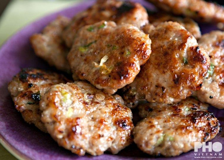 Bun cha gehaktburgers (foto: Kim Le Cao © Pho Vietnam)