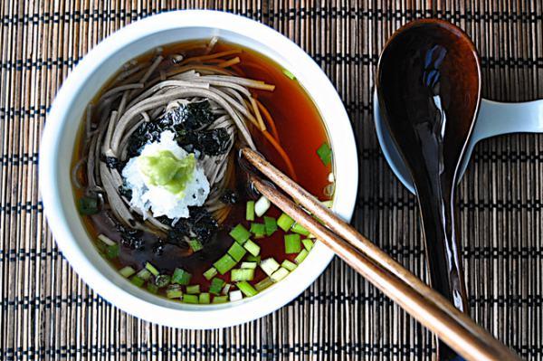 모밀 국수 맛 좌우하는 쯔유 만들기