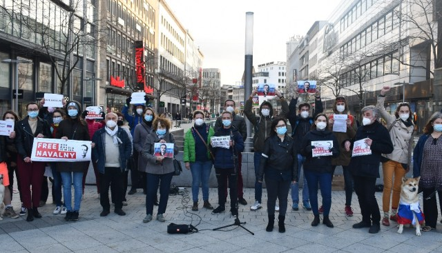 Protesters supporting Alexei Navalny in Hanover, Germany