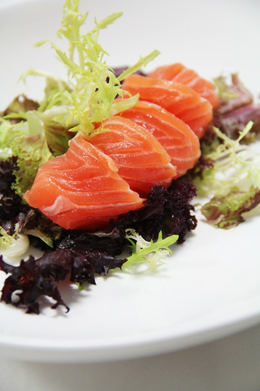 Salmon: Foods that help to ease anxiety