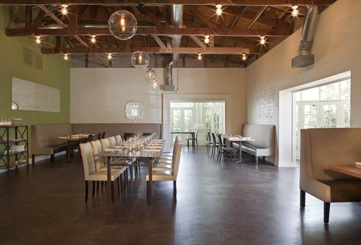Crudo dining room
