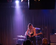 F41A1056 - Wolf Alice 051915 - s