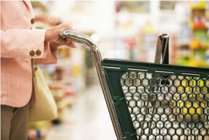 These grocery shopping apps will help you save money and earn cash back.