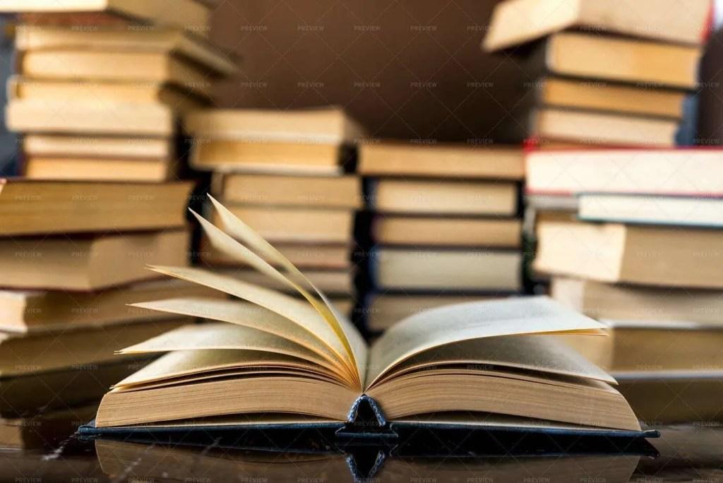 Summer Reading: Duane W.H. Arnold, PhD 3