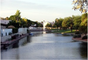 lago-estancia-lake-community in Gilbert