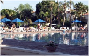 Val Vista Lakes Pool in November