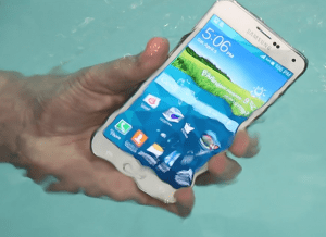 Samsung Galaxy S5 Under Water