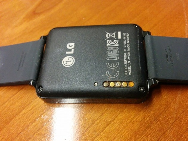 LG G Watch Corroded Charging Pin