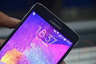 Samsung Galaxy Note 4 Front Top