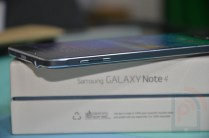 Samsung Galaxy Note 4 Left Side