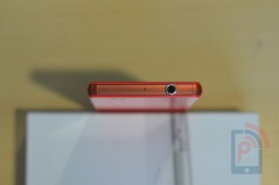 Sony Xperia Z3 Compact Top