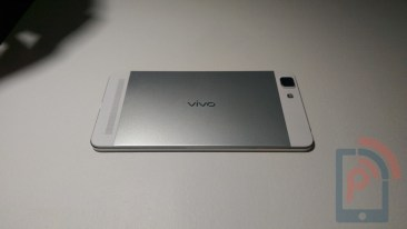 Vivo X5 Max Hands-on back