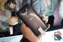 LG G Flex 2 Hands-on Back
