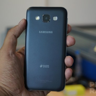 Samsung Galaxy E5 Hands-on Back
