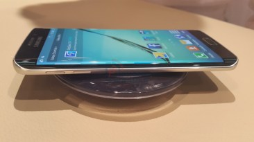 Samsung Galaxy S6 Edge Side