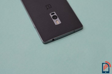 OnePlus 2 - Top Edge