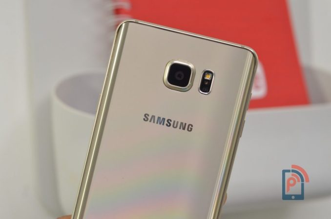 Samsung Galaxy Note 5 - Rear Camera and Heart rate Sensor