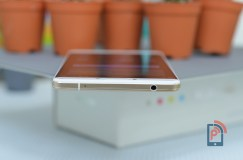Oppo R7 Plus - Top Edge