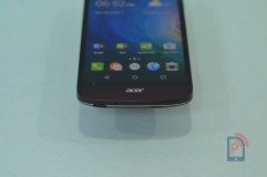 Acer Liquid Z530 -Top Edge
