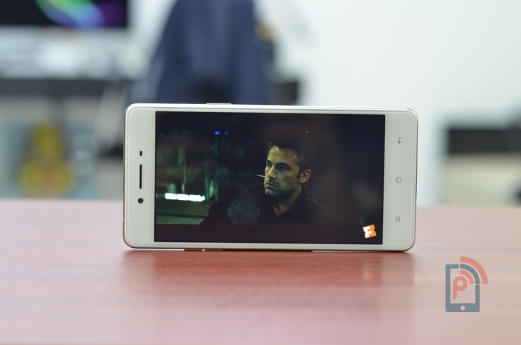 Oppo F1 - Display