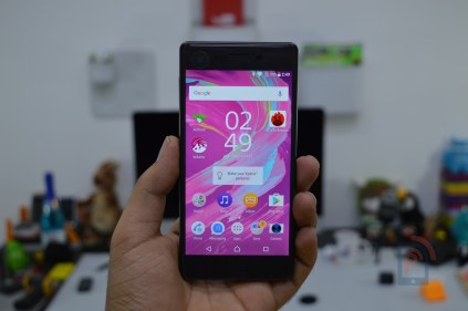 Sony Xperia X - Front
