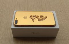 gold-plated-iphone-7-4