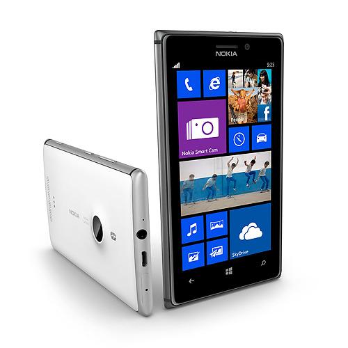 Nokia annuncia il nuovo Lumia 925: fotocamera PureView e scocca in alluminio