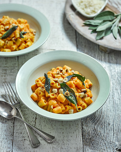 Vegan Roasted Pumpkin Macaroni on Wood