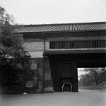1957年 杵島 隆《桜田門》