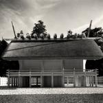 1953年 渡辺義雄「伊勢神宮」《内宮正殿北面全景》