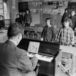 1955年ごろ 緑川洋一『島の分教場』《唱歌の時間》