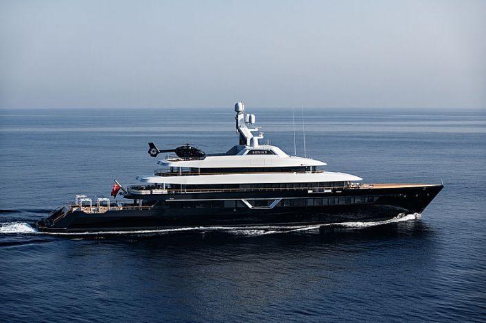 Lonian yacht cruising