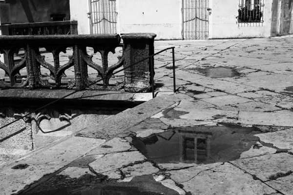 photo challenge 365 noir et blanc reflet flaque