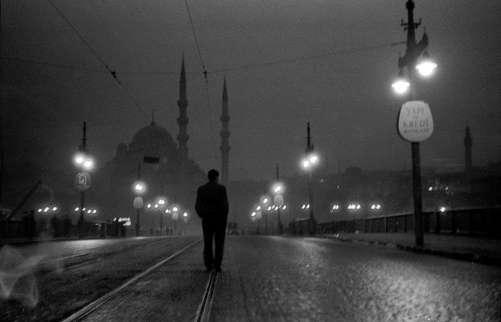 Ara Güler photo d'Istanbul en noir & blanc