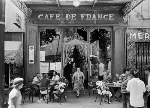 Willy Ronis photographe le café de France