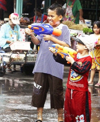Heavily armed and in search of wet fun - Songkran in Bangkok