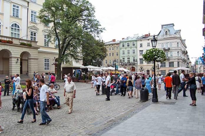 Площа Ринок у Львові під час Євро 2012