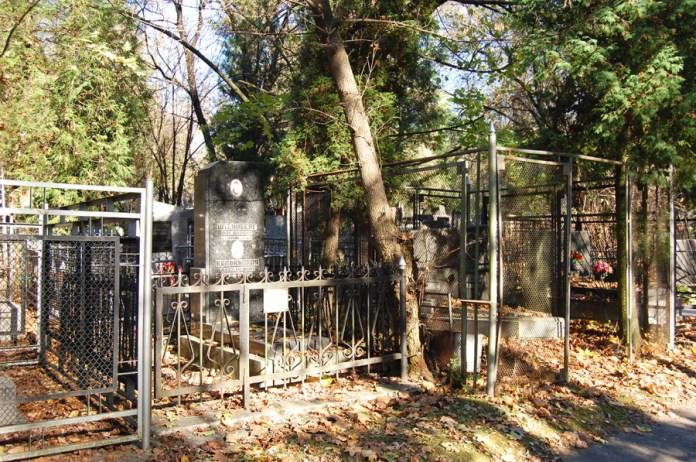 Єврейські поховання