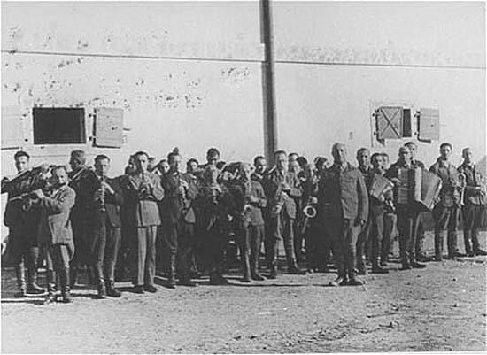 Оркестр в'язнів Янівського концтабору