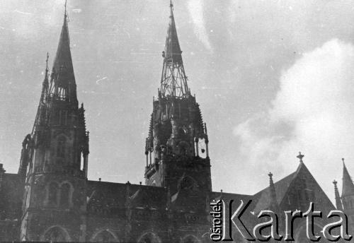 1940. Вежі костелу Св. Ельжбети