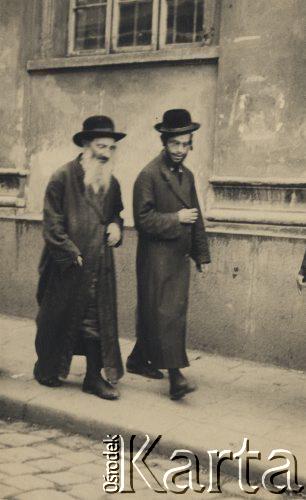 1931-1935. Два євреї на вулиці