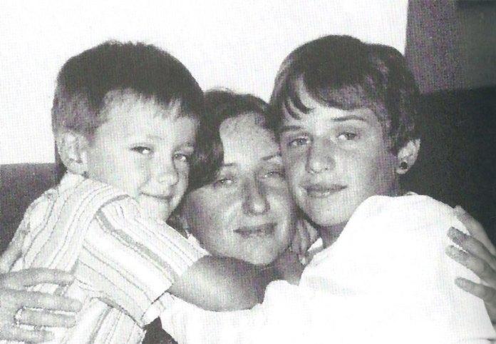 Соломія Сорока з синами Антоном і Теодором, 2008.