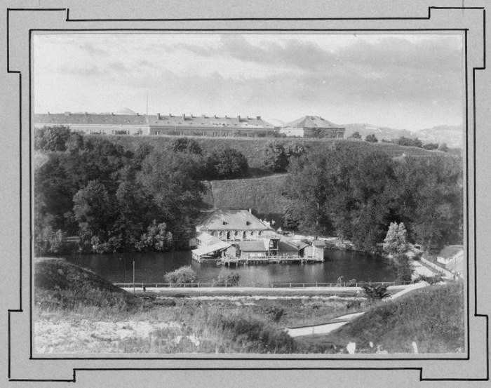 Будівля «Пливальні» на Пелчинському ставі у Львові, 1893 рік