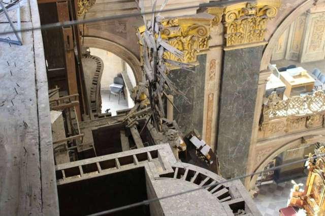 Вигляд інструменту з емпор ( балконів ) гарнізонного храму, фото 2015 року