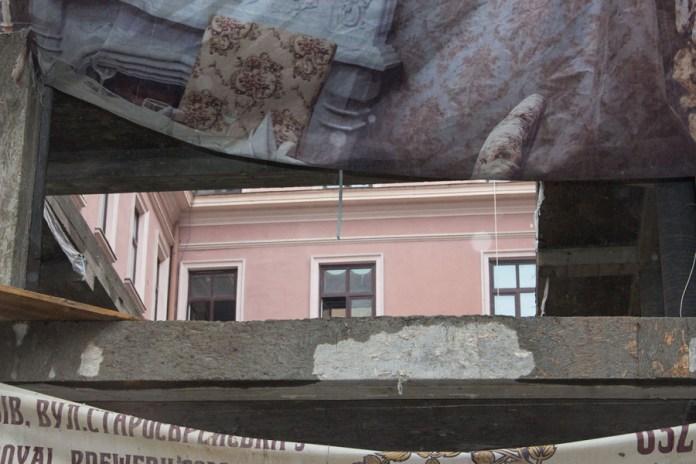 """Фрагмент """" Гранд - готелю """" у Львові, в ході розбудови і реконструкції прилеглої території, 2015 рік"""